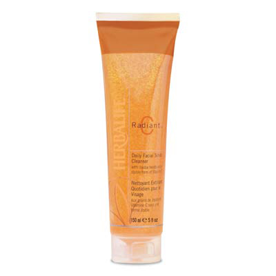 Radiant C&#174; Daily Facial Scrub Cleanser 